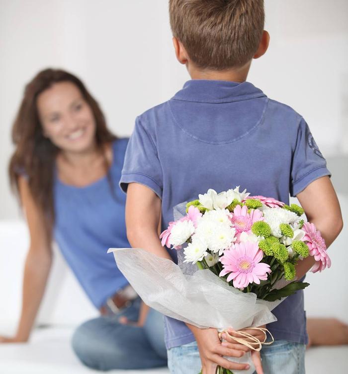 Картинки цветы женщинам подарившим жизнь сыновьям, поздравление